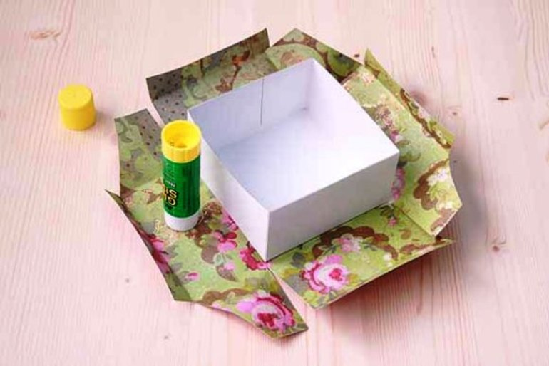 Как аккуратно обклеить коробку бумагой