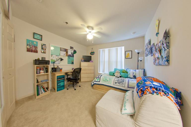 Дизайн комнаты для молодых людей