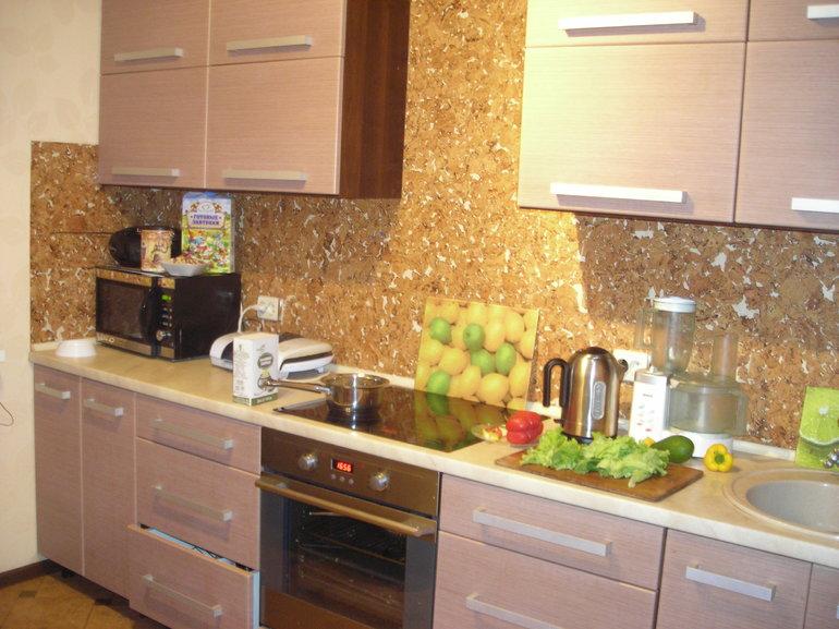 Какие обои можно мыть: моющие и супермоющиеся варианты, изделия для стен на кухне и в ванной
