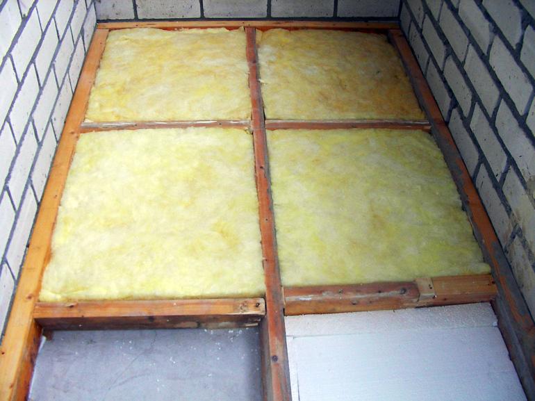 Как утеплить балкон своими руками: выбор и укладка материала, порядок работ, полезные советы