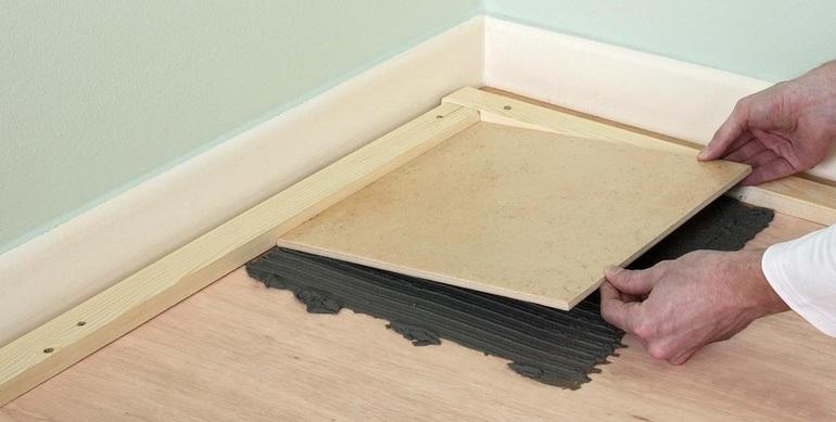 Плитка на деревянный пол в деревянном доме: подготовка основы и обработка досок перед устройством