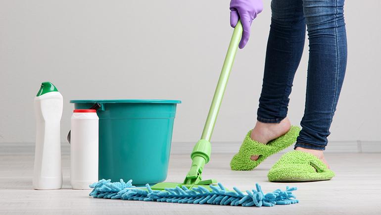 Уборка по лунному календарю: хорошие дни для домашних дел, ремонта и мытья окон осенью