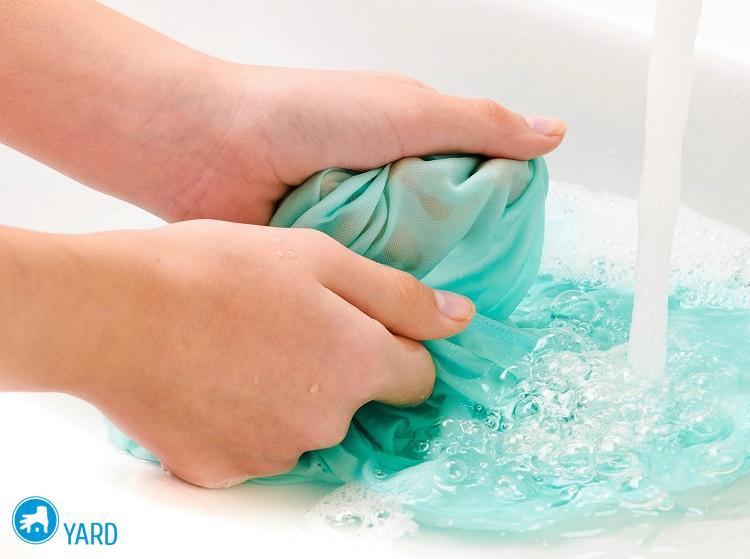 Как отстирать тональный крем с одежды