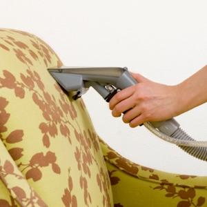 Чистка диванов на дому — отзывы
