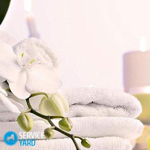 Как вывести пятно с белой ткани �� чем убрать разводы на футболке, если полиняла после стирки