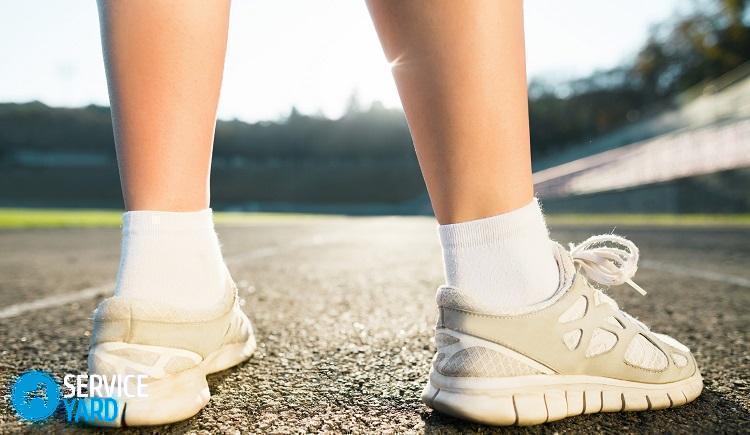 Как отстирать белые шнурки; в кроссовках до белизны