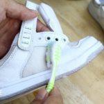 Как отмыть белые кроссовки от въевшейся грязи?
