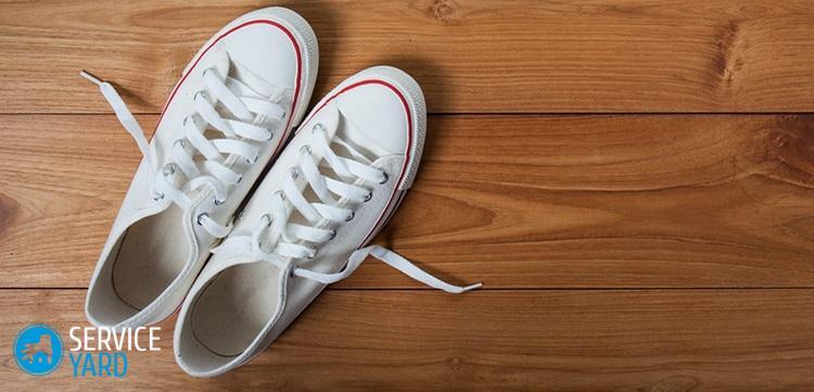 Как отмыть белые кроссовки от въевшейся грязи