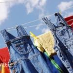 Как вывести желтые пятна с одежды которая долго лежала?