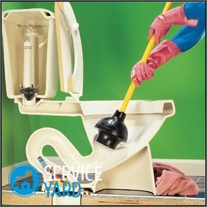 Как в домашних условиях прочистить унитаз от засора?