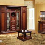 Мебель лакированная