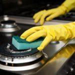 Как очистить плиту от жира и нагара в домашних условиях?