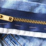 Как починить молнию на джинсах?