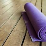 Какой коврик для йоги лучше выбрать?