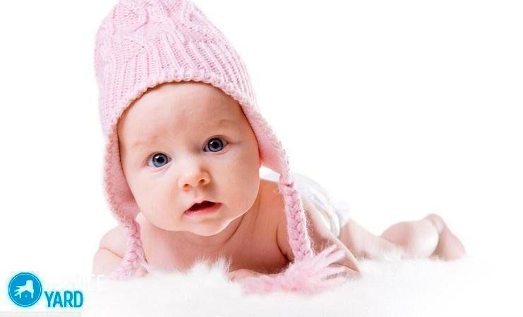 cute_baby_with_winter_cap