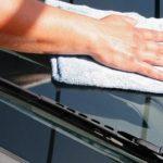 Как убрать царапины с лобового стекла?