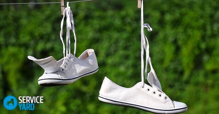 Как отбелить кроссовки; как постирать вручную тканевые или кожаные, как вернуть цвет