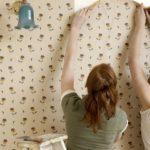 Как снять флизелиновые обои со стен?