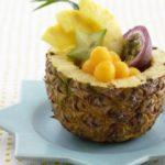 Как правильно чистить ананас ножом?