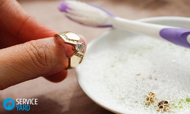 how-to-clean-diamond-earrings-gwhk-o