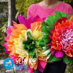 Как сделать цветы из гофрированной бумаги?