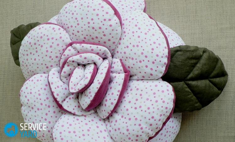 pillow_rose_2sides_2fabrics_01