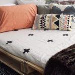 Как сделать кровать из поддонов?