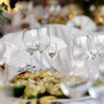 Как украсить стол на юбилей 50 лет?