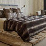 Как сделать кровать своими руками из дерева для дачи?