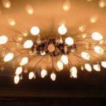 Как повесить люстру на гипсокартонный потолок?