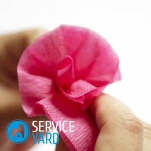 Розы из конфет и гофрированной бумаги своими руками — мастер-класс