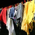 Как вывести масляное пятно с одежды в домашних условиях?