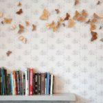 Можно ли клеить обои на водоэмульсионную краску на стене?