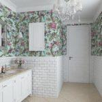 Стены в ванной — из чего лучше делать?