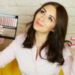 Как отстирать пятна от косметики?