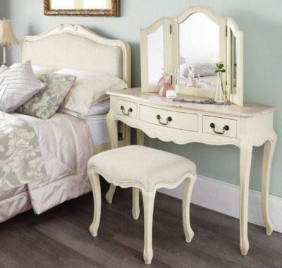 200 идей дизайна интерьера спальни с подвесным туалетным столиком с фото 🖼