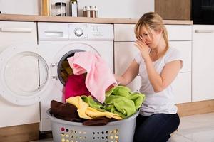 Как избавиться от вони, если стиральная машинка запахла сыростью