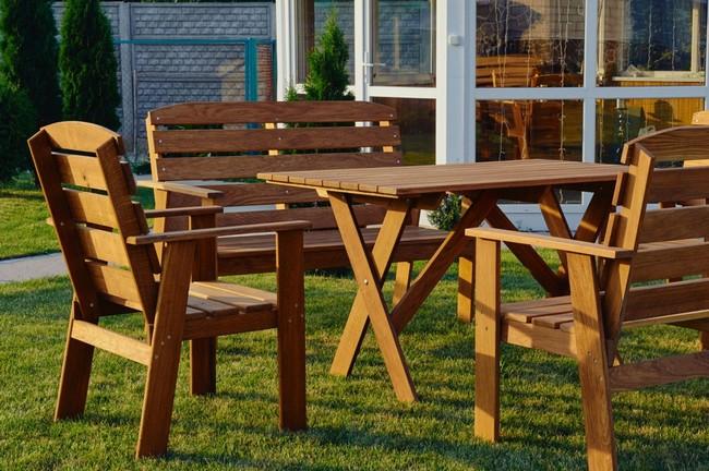 Оригинальная и функциональная садовая мебель